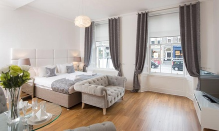 Edinburgh: 1 or 2Night Stay for Two or Up to Six at 4* Edinburgh Castle Apartments Suites