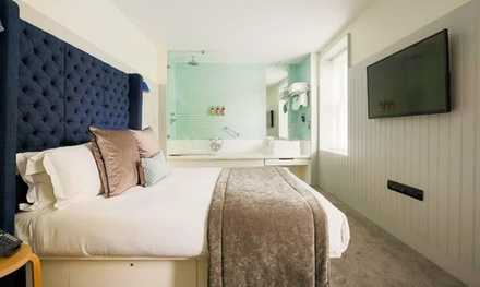 London, Soho: 1 or 2 Nights For Two With Breakfast and Glass of Sparkling Wine at Leicester House