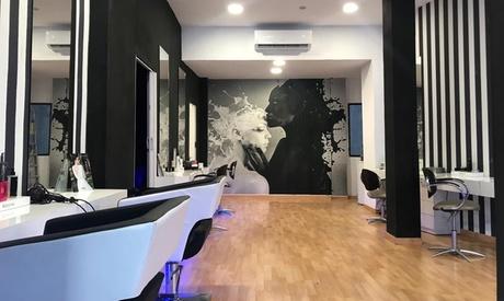 Sesión de peluqueríacon opción a corte, tinte y/o mechas desde 9,95 € en Al Parrucchieri