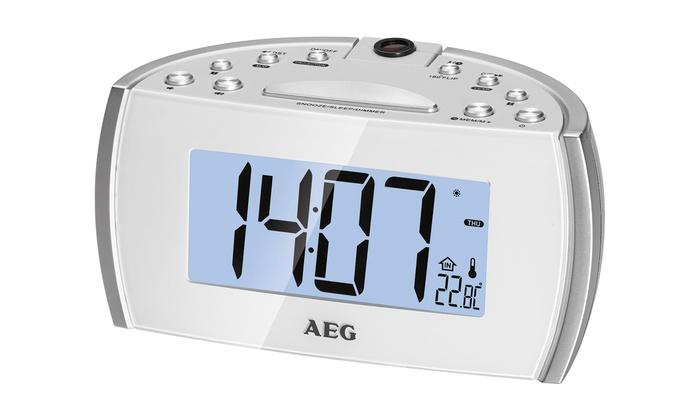 1 ou 2 radios réveils AEG avec projecteur LED pivotant à 180