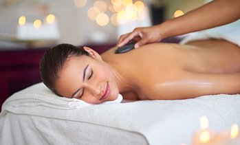 Ayurveda- oder Hot-Stone-Massage