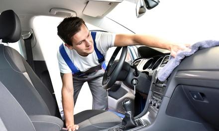 Lavado completo interior y exterior de coche a mano con opción a limpieza de tapicería desde 12,95 € en Ecolavado Manual
