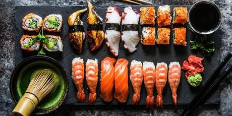 Menú japonés para 2 con entrante, principal, postre y botella de vino blanco desde 19,95 € en Xushiteca