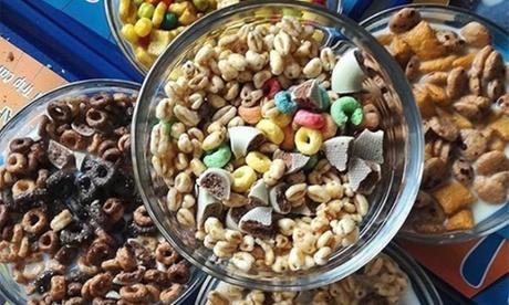 Menú para 2 o 4 personas de cereal internacional o nacional, toppings o siropes y leche desde 3,95 €en Cereal Trip