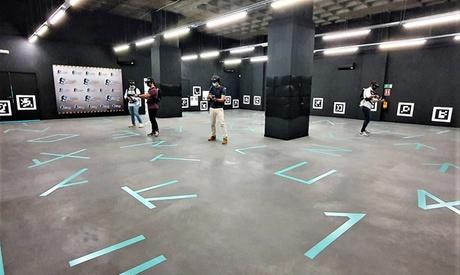 1 sesión de realidad virtual de 30 o 50 minutos para 1 o 2 personas en Virtual Arena (hasta 25% de descuento)