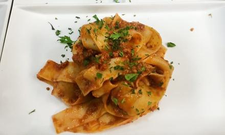 Menu tipico napoletano con vino
