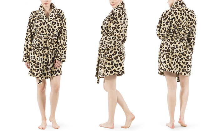 Up To 57% Off on Linum Plush Leopard Print Robe  833b9071c