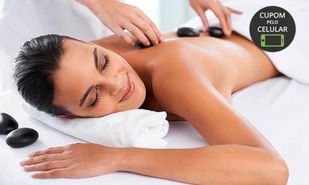 Clínica Essencial Life – Mooca: 1, 3 ou 5 visitas com massagem relaxante + pedras quentes ou reflexologia