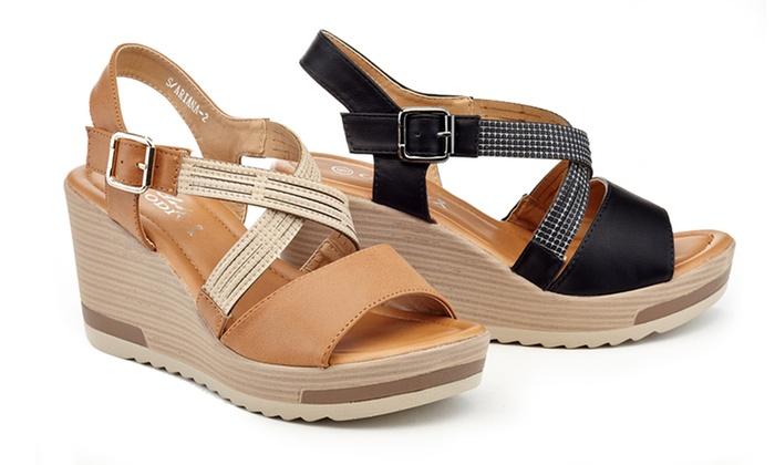 b5d9f31a05fc Lady Godiva Astrid Women s Cross-Strap Comfort Wedge Sandals