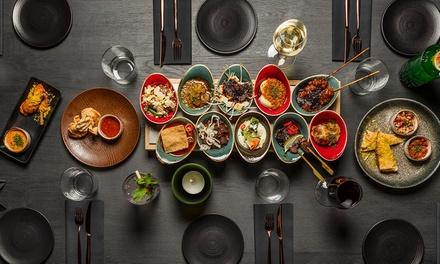 Rijsttafel met 13 gerechtjes met vis en/of vlees bij Ron Blaauws Bistrobar Indonesia in Haarlem (vanaf 2 personen)