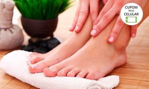 Padma Podologia e Estética: 1 visita de manicure (opção com pedicure e esfoliação dos pés) na Padma Podologia e Estética – Centro