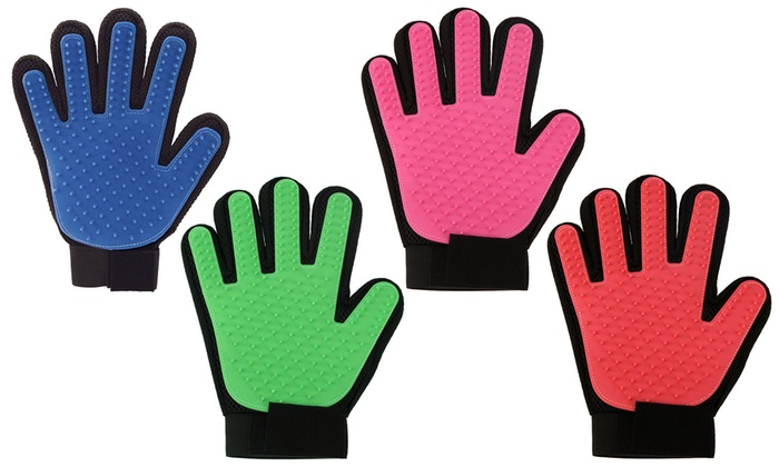 Groupon Goods Global GmbH: One or Two Pet Grooming Gloves