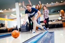 Bowling Arena: 2 oder 3 Std. Bowling-Spaß am Sonntag für bis zu 8 Personen in der Bowling Arena (bis zu 54% sparen*)