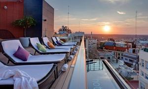 Skylounge Hotel Indigo: Cocktail o copa y snack para 2 personas desde 16,95 € en Skylounge Hotel Indigo