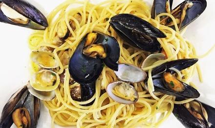 Menu italiano o vegetariano con vino per 2 o 4 persone alla Cucineria Pizzeria Centonovanta (sconto fino a 49%)