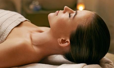 Tratamiento facial para hombres con opción a limpieza de espalda desde 19,95 € en Estética Cuidarte