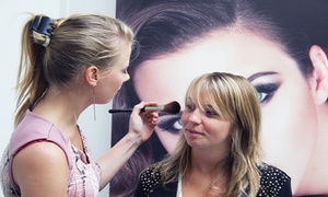 Care Personal Beauty: Make-up workshop voor 1, 2, 4 of 6 personen bij Care Personal Beauty te Wetteren
