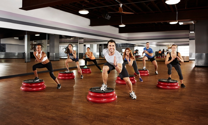 Crunch - Johns Creek: $19.95 for One-Month Gym Membership with One Personal Training Session at Crunch ($130 Value)