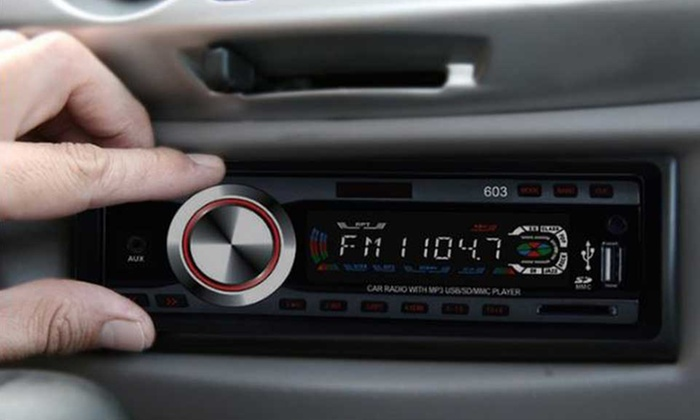 Autoradio con USB, MP3 e slot SD