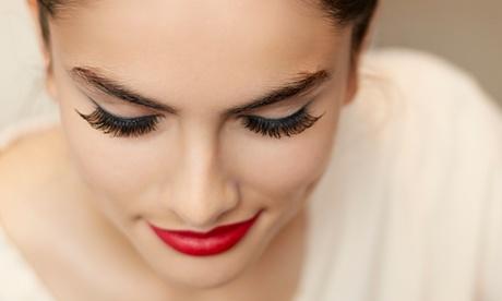 Extensión de pestañas pelo a pelo de seda natural sin límite de pelos en ambos ojos por 24,90 € en Vernis