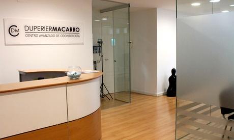 Sesión de limpieza dental con opción a curetaje de 1 o 2 arcadas desde 12,95 € en Duperier Macarro