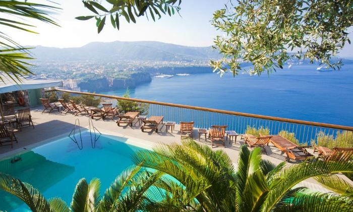 goitaly תמוז תיירות: פסח בדרום איטליה: טיסות לנאפולי, רכב צמוד ו-7 לילות במלון מומלץ לבחירה באזור סורנטו ובחוף אמלפי ע''ב לינה וארוחת בוקר, החל מ-€889 לאדם!