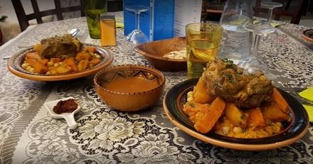 Menu aux saveurs orientales composé d'entrées, plats et desserts pour 2 personnes à 24,90€ au restaurant Djerba La Douce