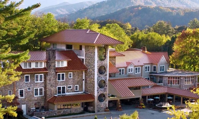 Waynesville Inn Golf Resort & Spa - Waynesville, NC: 2-Night Stay for Two at Waynesville Inn Golf Resort & Spa, NC. Combine Up to 8 Nights.