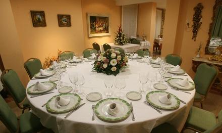 Menú para 2 o 4 con aperitivo, entrante, principal, postre y bebida desde 29,95 € en Mesón El Sol Restaurante