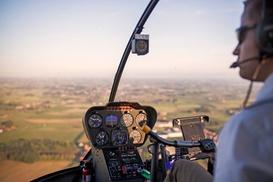 Toran Heliservice: Onvergetelijke helikoptervlucht voor 1 persoon voor slechts € 99,99 bij Toran Heliservice!