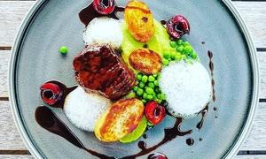 Kajüte: Erlesenes 5-Gänge-Weihnachts-Menü mit Fisch oder Fleisch für 2 oder 4 Personen im Restaurant Kajüte (bis zu 44% sparen*)