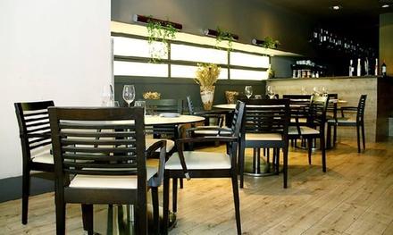 Menú para 2 o 4 con entrante, principal, postre, bebida y opción a botella de vino desde 19,95 € en Mixtel·la