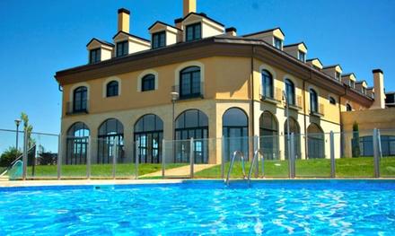Ávila: estancia en habitación doble o twin para 2 personas con desayuno y acceso a piscina en Hotel Fontecruz Ávila 4*