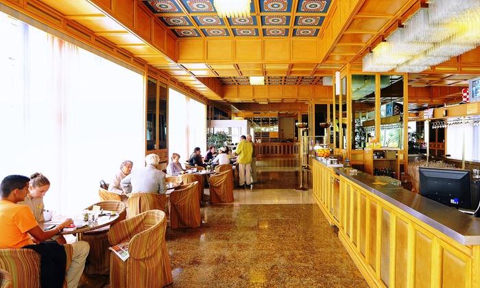 Hotel croatia krnica groupon for Hotel mezza pensione bressanone