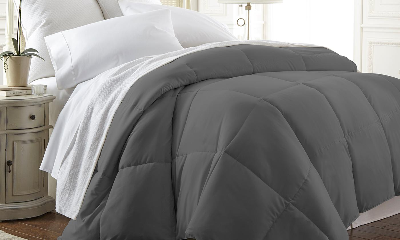 Merit Linens Lightweight Down Alternative Comforter