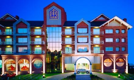 Pinamar:desde $999 por 2, 3 o 4 noches para dos + desayuno + late check out en Hotel Reviens