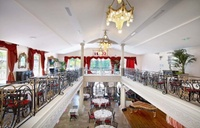 Dîner-spectacle dansant et chantant pour 2 ou 4 personnes dès 99,90 € au restaurant Le Saint Petersbourg