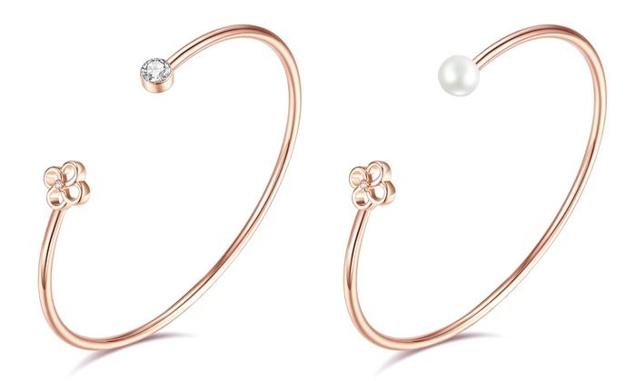 Groupon Goods Global GmbH: Armreif mit echtem Diamanten und Swarovski®-Kristall oder weißer Süßwasserperle in Rotgold