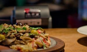 La Trattoria: Desde $229 por entrada + pizza + bebida para dos o cuatro en La Trattoria, 2 sucursales