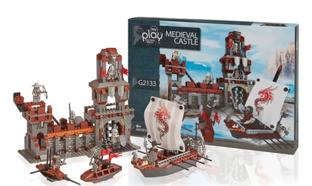 One or Two Medieval Castle 555 Piece Construction Sets