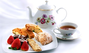 Twin Creek Tea Room: Cafe and Teahouse Fare for Lunch at Twin Creek Tea Room (Up to 45% Off)