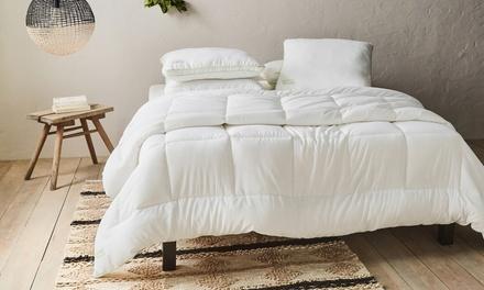 Couette Luxury avec fibres de bambou 400g/m², anti acariens avec oreillers en option