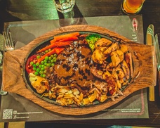AED 40 Toward Food and Drinks