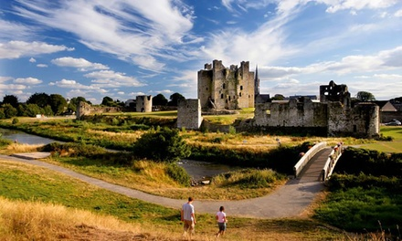 Co. Meath: 12 Nights for Two with Irish Breakfast, Dining Credit, Late CheckOut and Chocs at Hamlet Court Hotel