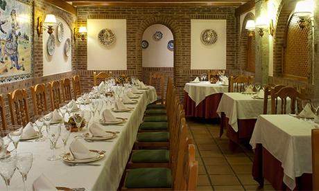 Menú de asador con entrante, principal, pan y bebida para 2 o 4 personas desde 39,99 € en Asador Real