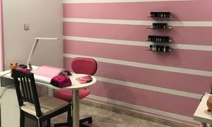 Cati Gel Nails: Manicura y/o pedicura al estilo tradicional o semipermanente con masaje para una persona desde 9,95 € en Cati Nails
