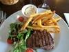 Le Diplomate - Paris: Entrée, plat et dessert au choix pour 2 ou 4 personnes dès 29,90 € au restaurant Le Diplomate