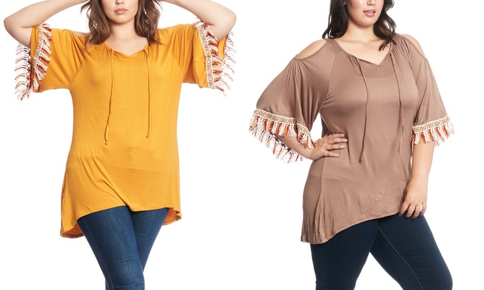 Women's Plus Size Open Shoulder Tunic Top with Contrast Bell Sleeve Tassels