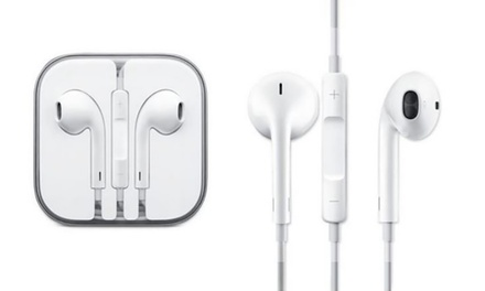 One (£8.99) or Two Pairs (£17.99) of Official Apple Earpods with Remote and Mic