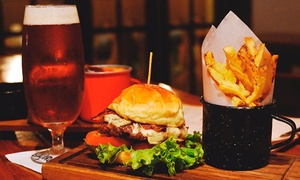Cervecería Laurus: Desde $139 por hamburguesa + papas fritas + pinta de cerveza artesanal para uno, dos o cuatro en Cervecería Laurus